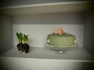 http://www.marleinoverakker.com/files/gimgs/7_the-cake-1.jpg